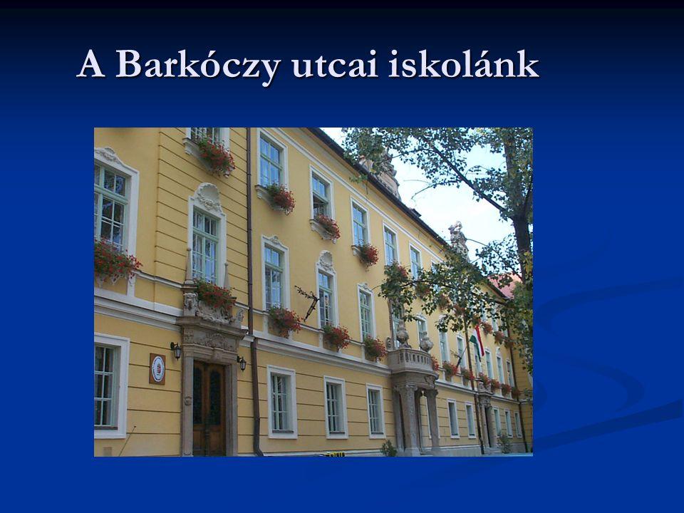 8 A Barkóczy utcai iskola udvara