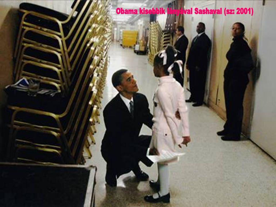 Obama kisebbik lányával Sashaval (sz: 2001)