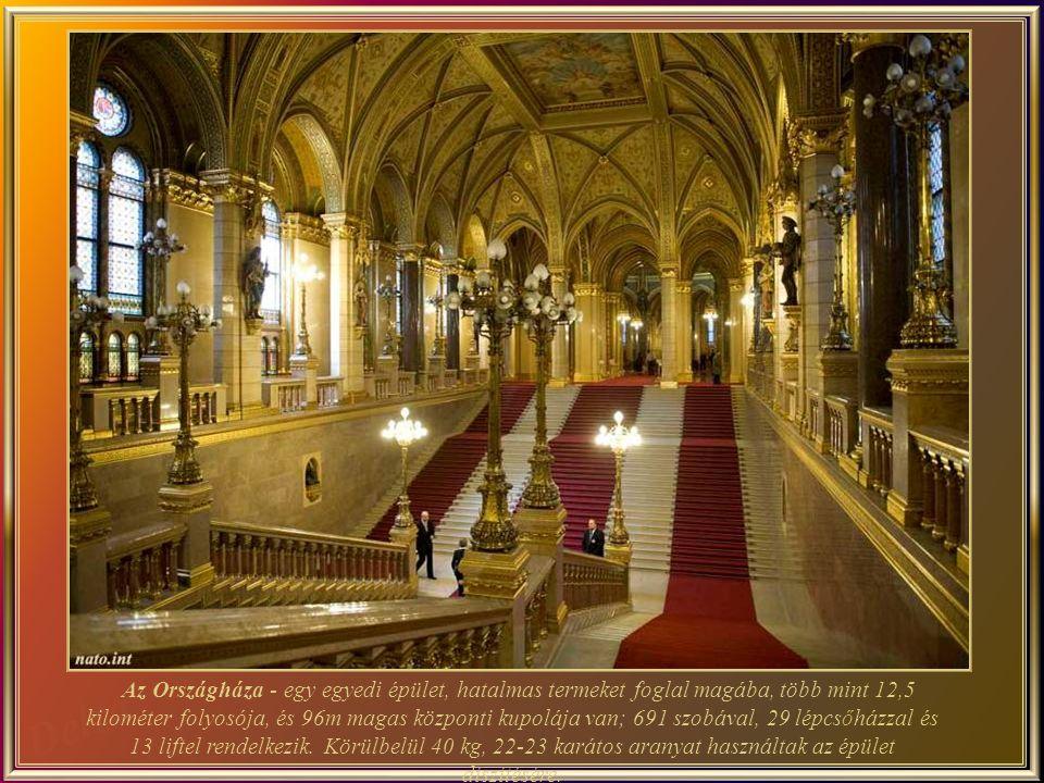 Az Országháza - egy egyedi épület, hatalmas termeket foglal magába, több mint 12,5 kilométer folyosója, és 96m magas központi kupolája van; 691 szobával, 29 lépcsőházzal és 13 liftel rendelkezik. Körülbelül 40 kg, 22-23 karátos aranyat használtak az épület