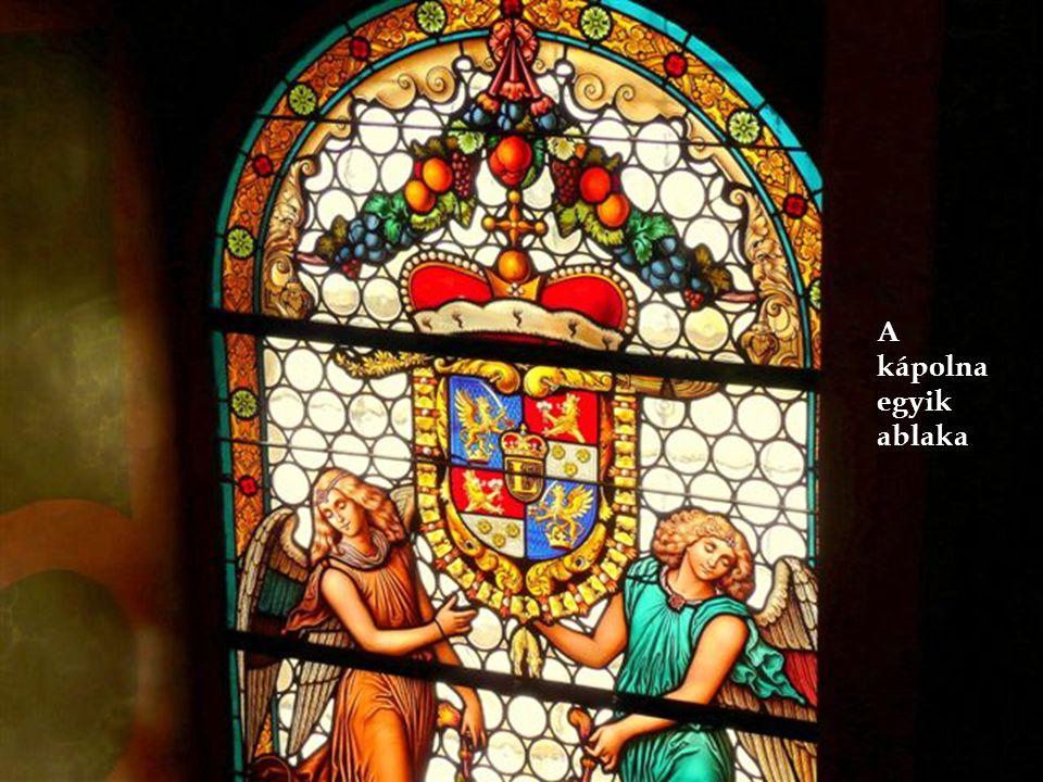A kápolna egyik ablaka