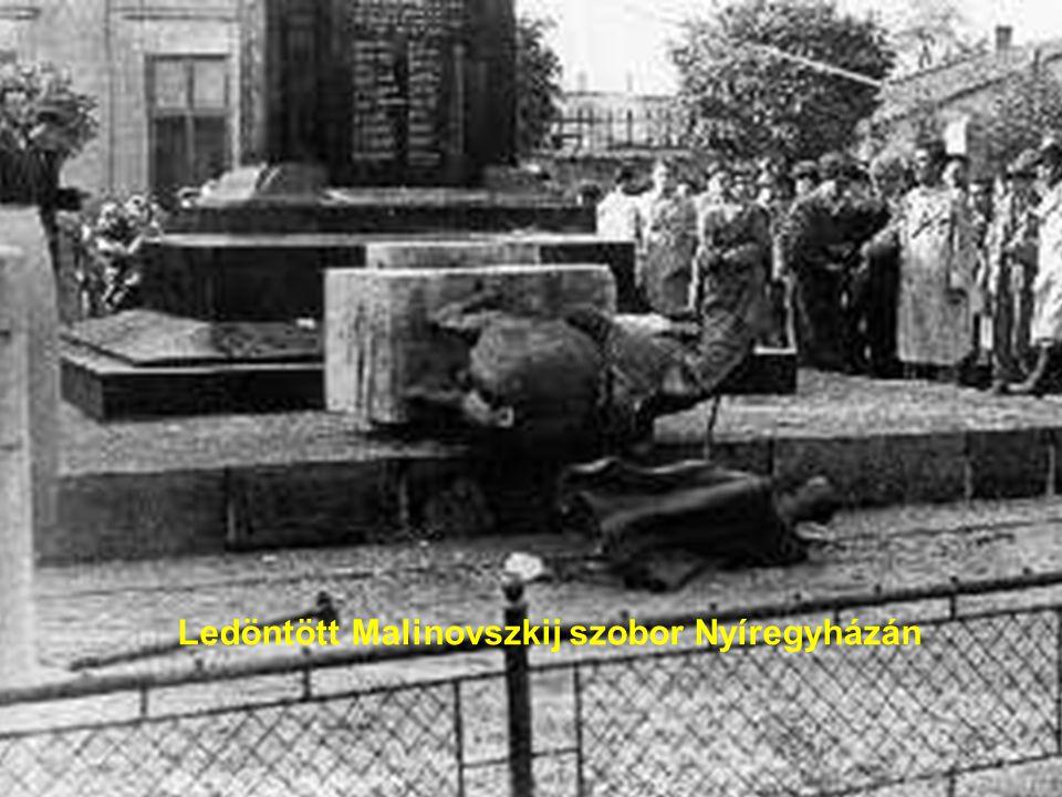 Ledöntött Malinovszkij szobor Nyíregyházán