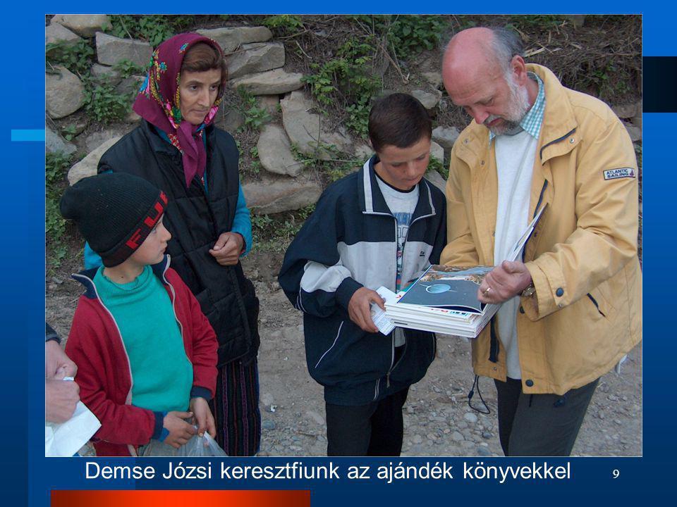 Demse Józsi keresztfiunk az ajándék könyvekkel