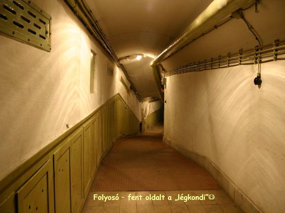 """Folyosó – fent oldalt a """"légkondi """