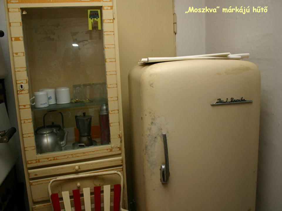 """""""Moszkva márkájú hűtő"""
