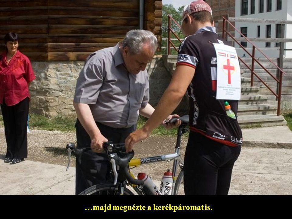…majd megnézte a kerékpáromat is.