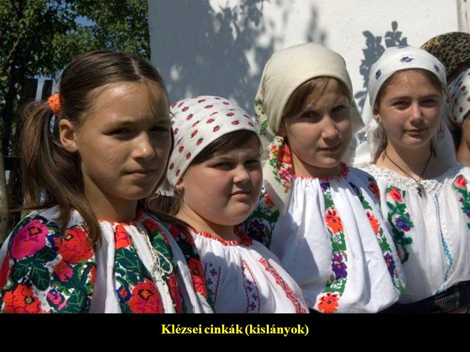 Klézsei cinkák (kislányok)