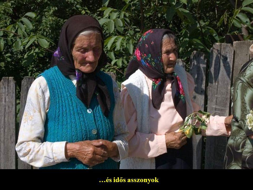 …és idős asszonyok