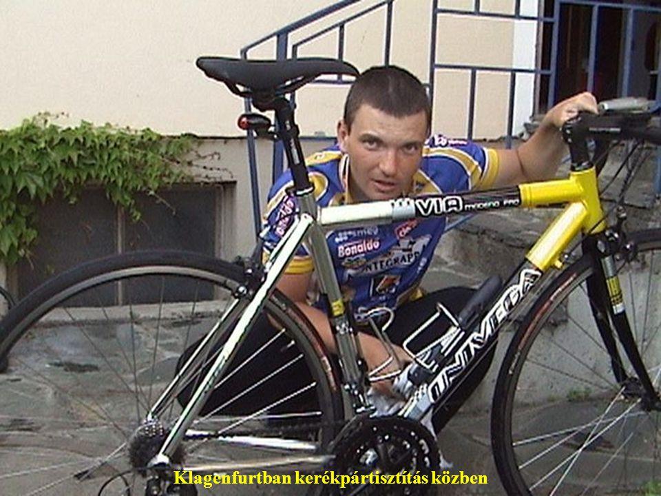 Klagenfurtban kerékpártisztítás közben