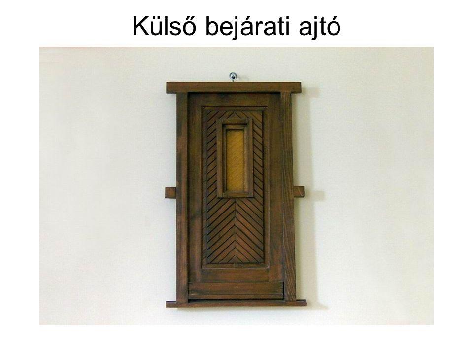 Külső bejárati ajtó