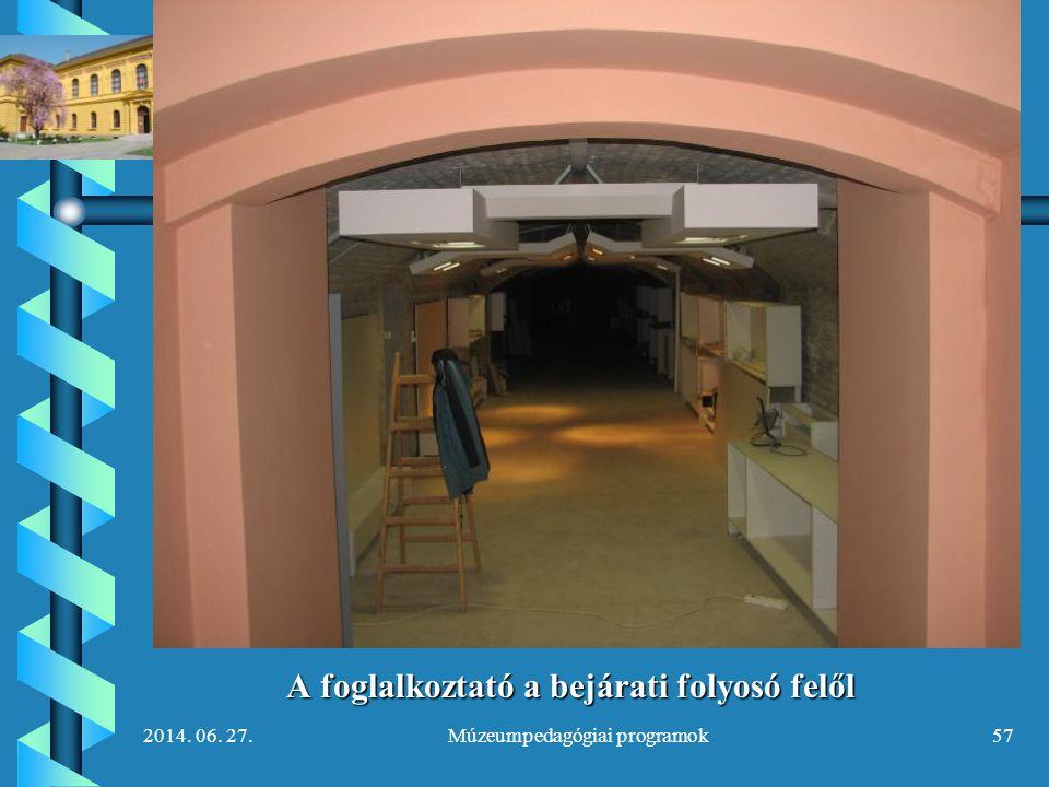A foglalkoztató a bejárati folyosó felől