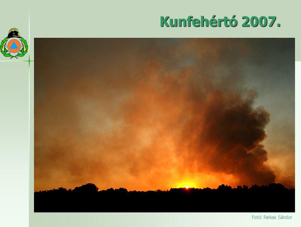 Kunfehértó 2007. Július 25-én 09 óra 50 perckor tűzjelzés érkezett a kiskunhalasi tűzoltóságra, hogy Kéleshalom határában erdőtűz keletkezett.