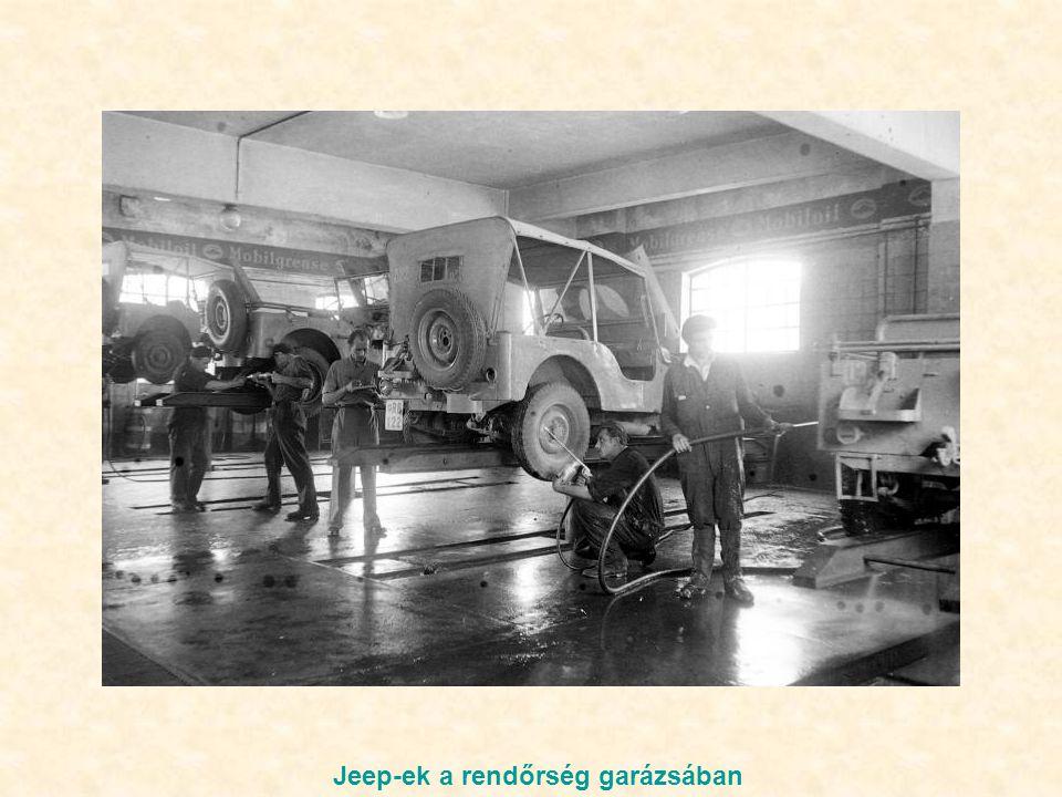 Jeep-ek a rendőrség garázsában