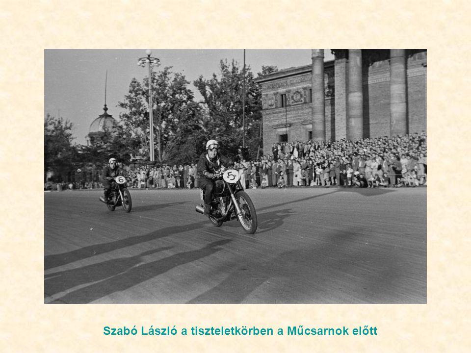 Szabó László a tiszteletkörben a Műcsarnok előtt