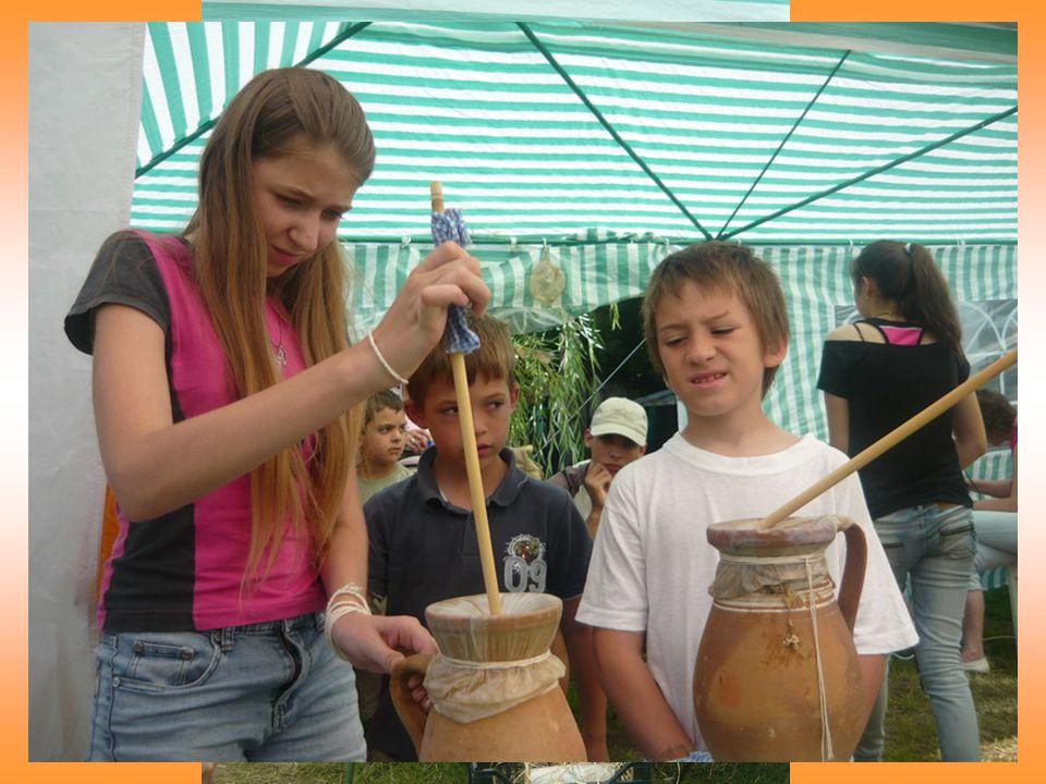 Kézművesség Égetett fakép készítése Szálhúzásos terítő készítés