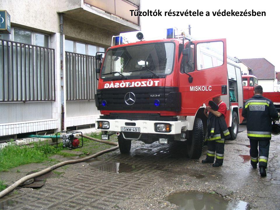Tűzoltók részvétele a védekezésben
