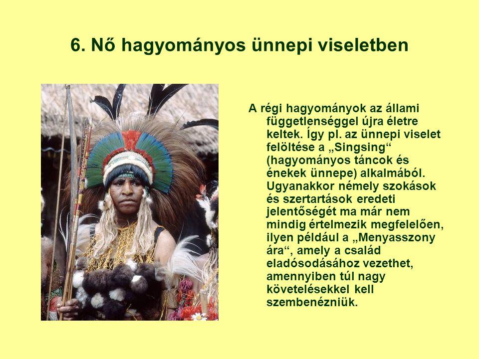 6. Nő hagyományos ünnepi viseletben