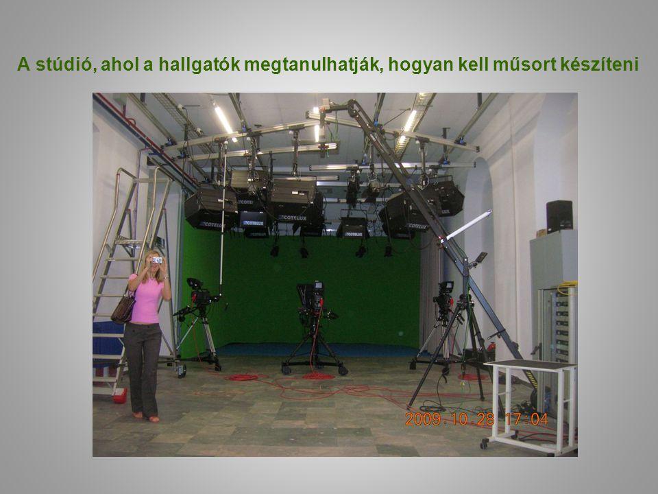 A stúdió, ahol a hallgatók megtanulhatják, hogyan kell műsort készíteni