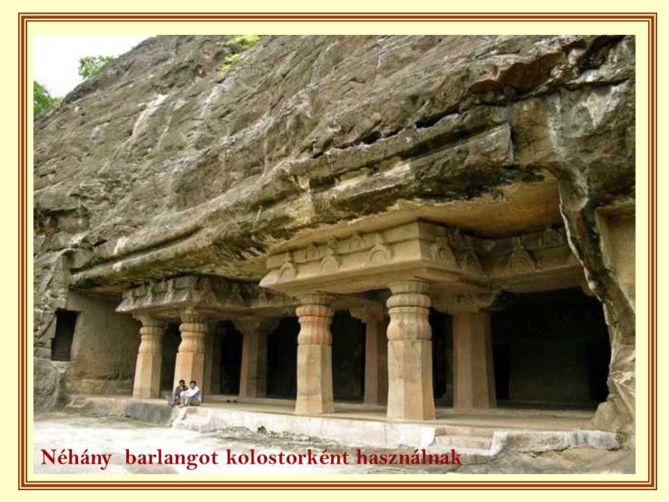Néhány barlangot kolostorként használnak