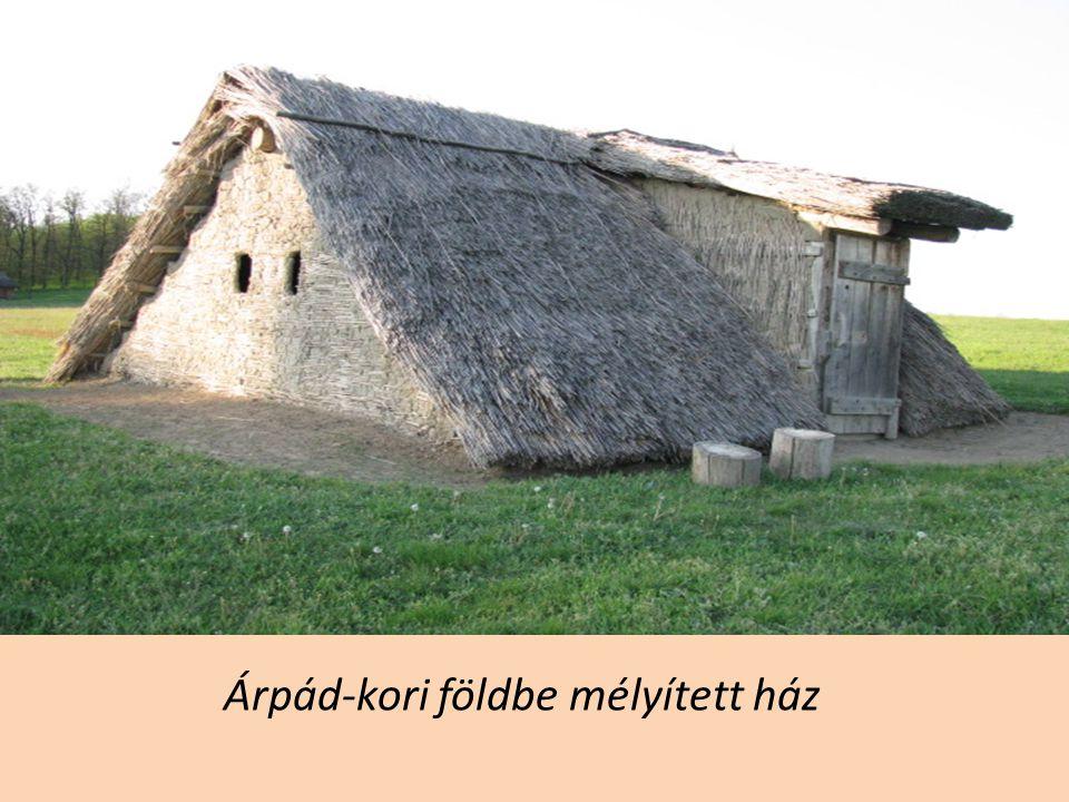 Árpád-kori földbe mélyített ház