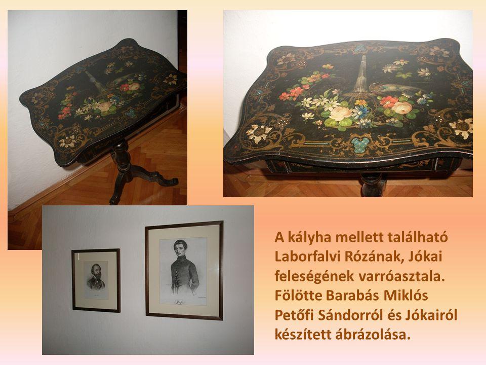 A kályha mellett található Laborfalvi Rózának, Jókai feleségének varróasztala.