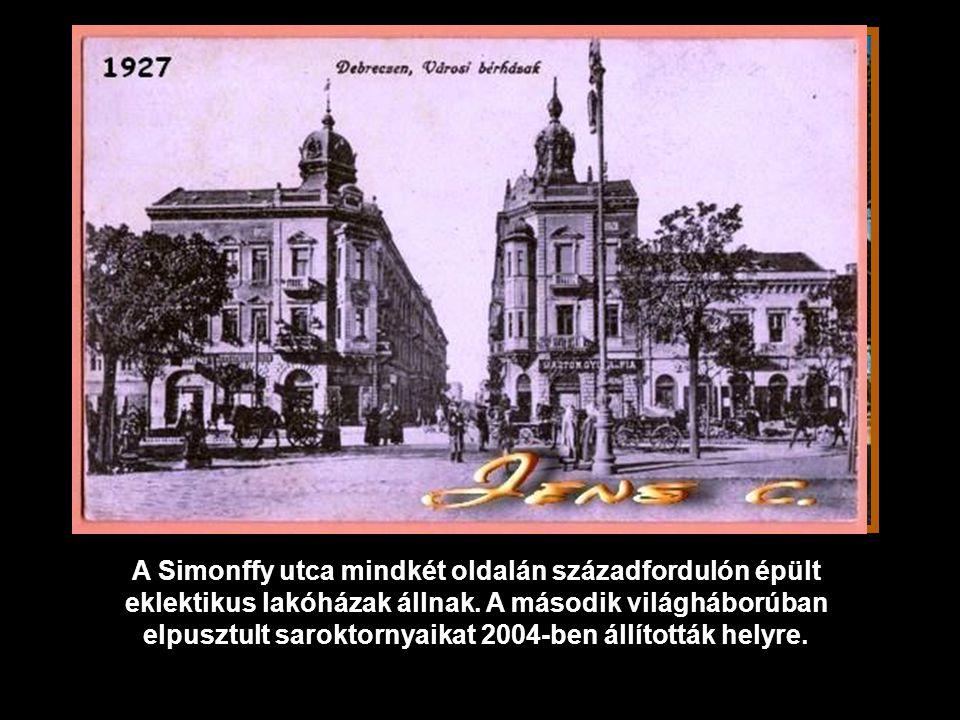 A Simonffy utca mindkét oldalán századfordulón épült eklektikus lakóházak állnak.