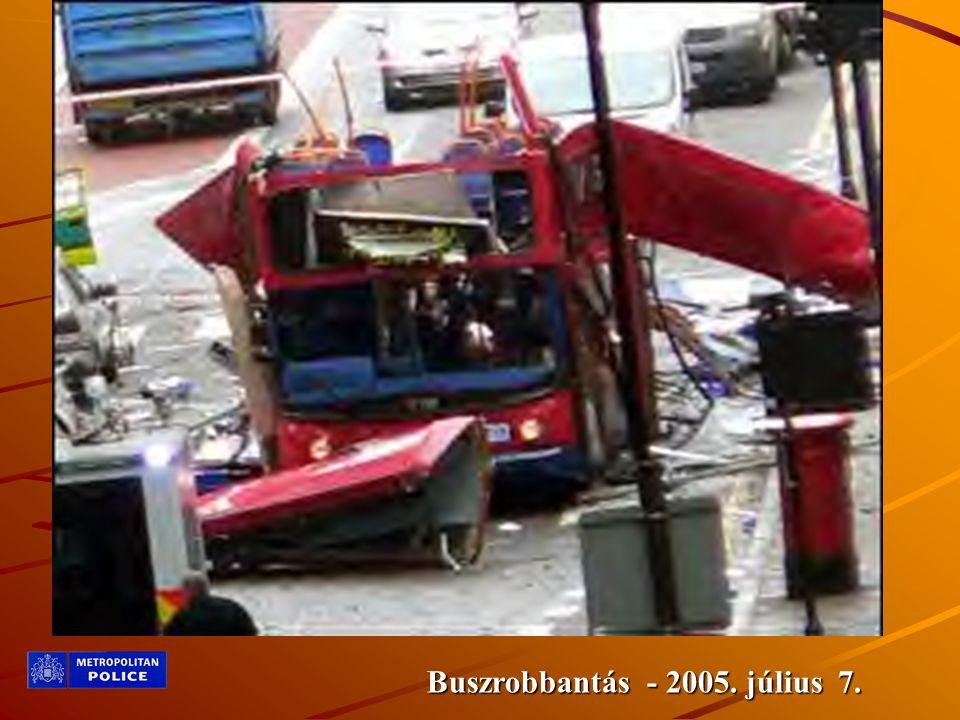 Buszrobbantás - 2005. július 7.