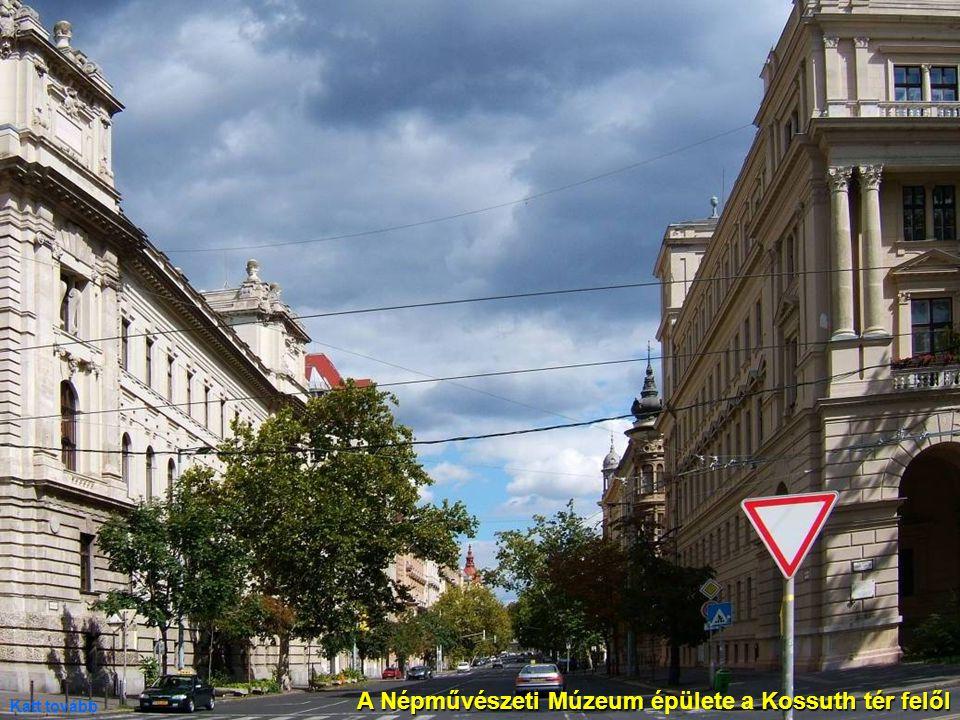 A Népművészeti Múzeum épülete a Kossuth tér felől