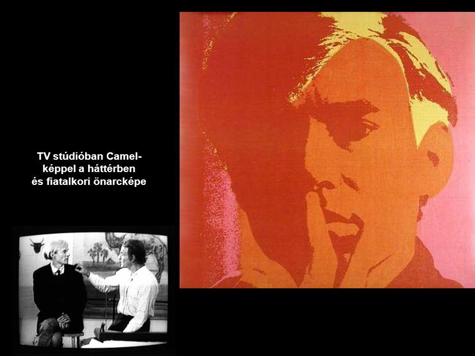 TV stúdióban Camel-képpel a háttérben és fiatalkori önarcképe