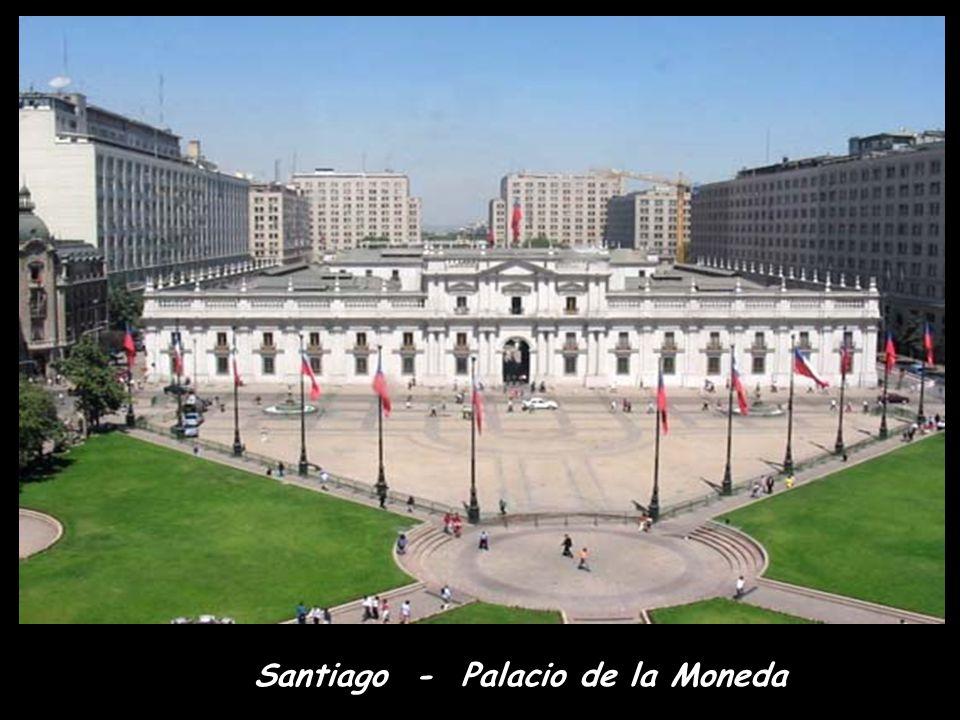 Santiago - Palacio de la Moneda