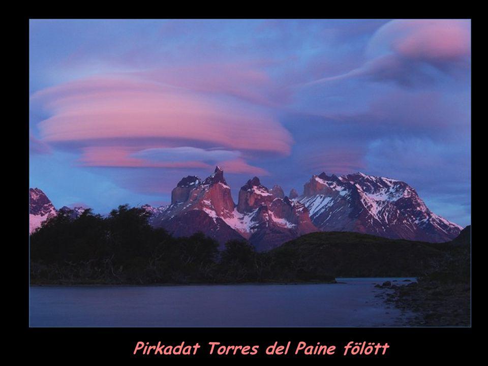 Pirkadat Torres del Paine fölött