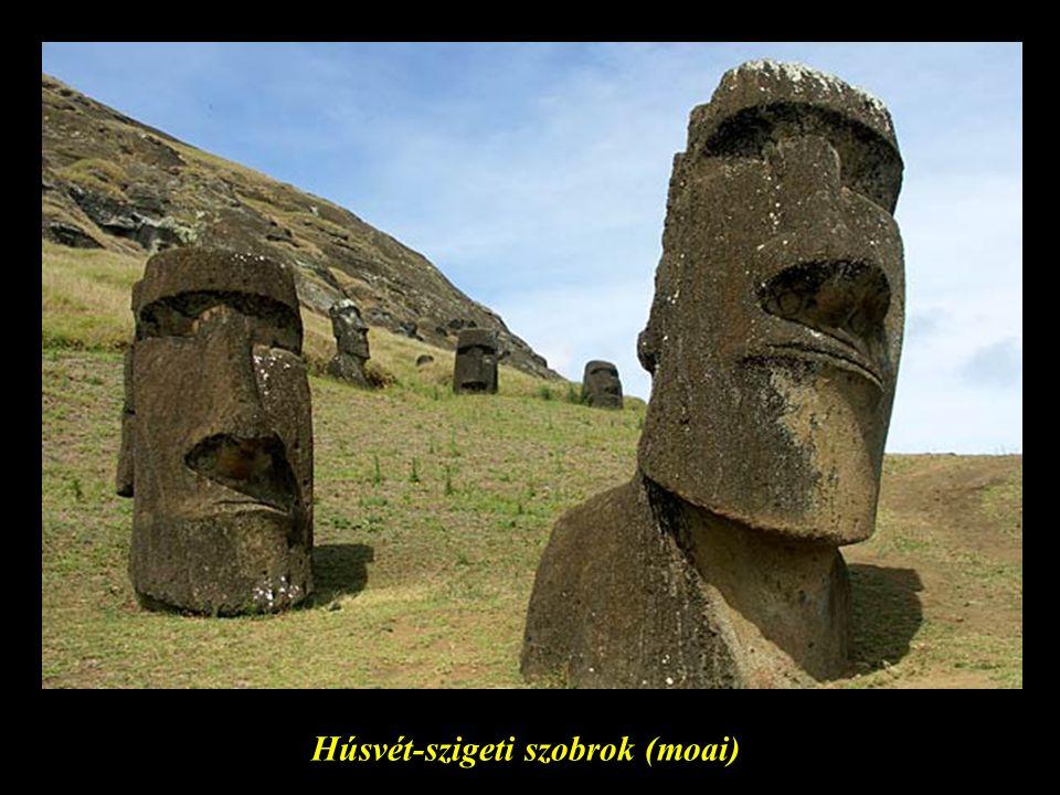 Húsvét-szigeti szobrok (moai)