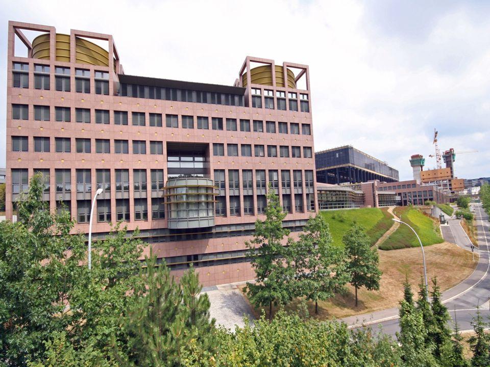 Intézmények: - Európai Bíróság