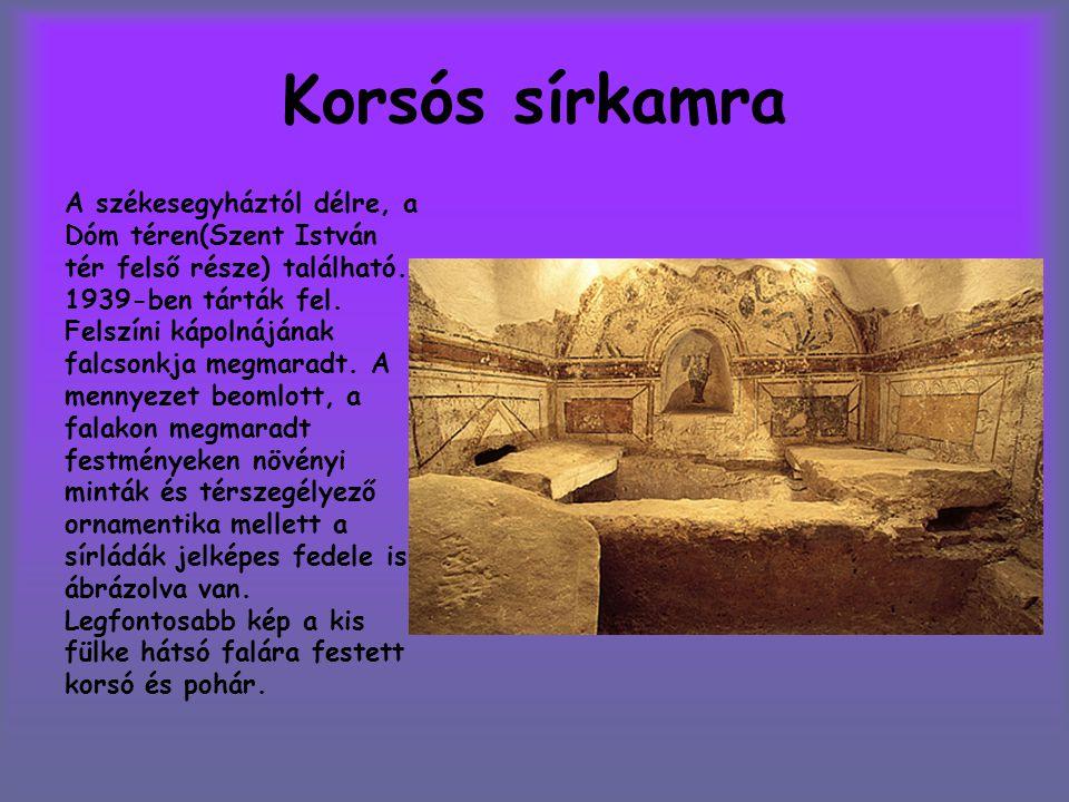 Korsós sírkamra A székesegyháztól délre, a Dóm téren(Szent István