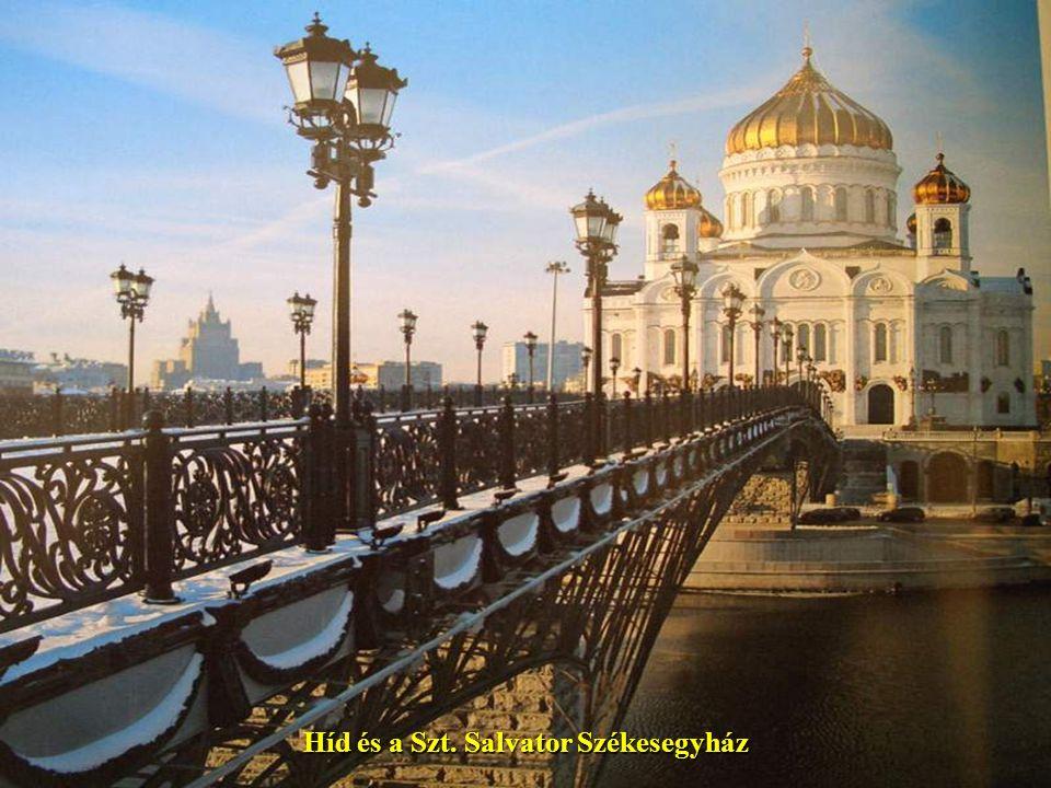 Híd és a Szt. Salvator Székesegyház