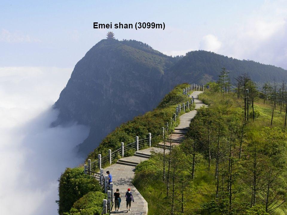 Emei shan (3099m)