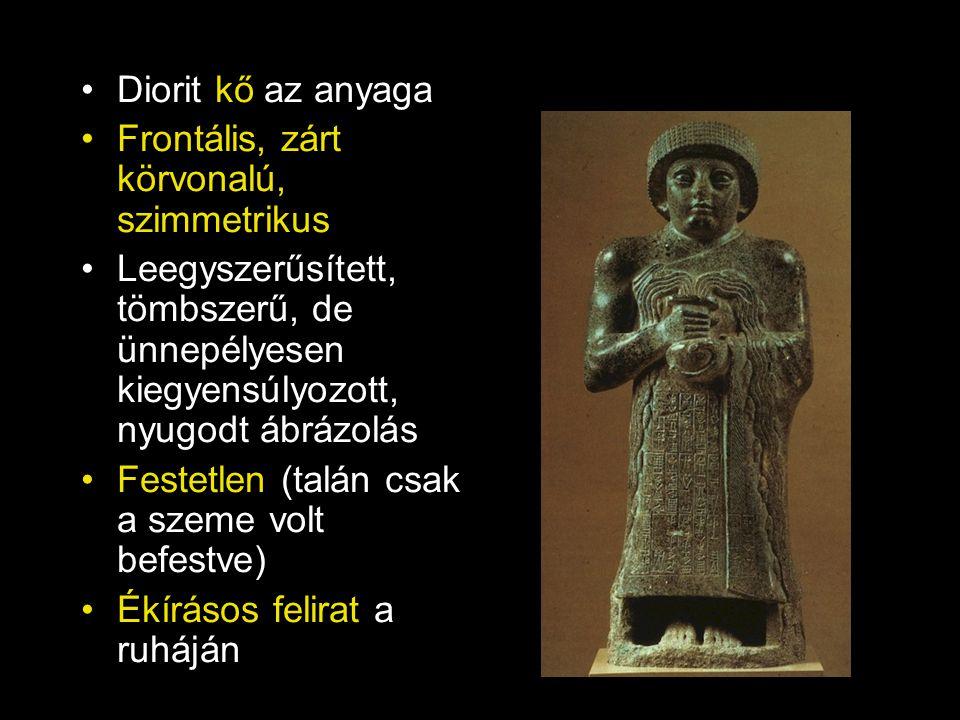 Diorit kő az anyaga Frontális, zárt körvonalú, szimmetrikus. Leegyszerűsített, tömbszerű, de ünnepélyesen kiegyensúlyozott, nyugodt ábrázolás.