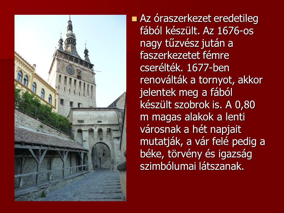 Az óraszerkezet eredetileg fából készült