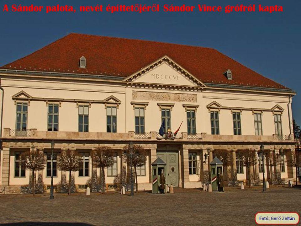 A Sándor palota, nevét építtetőjéről Sándor Vince grófról kapta