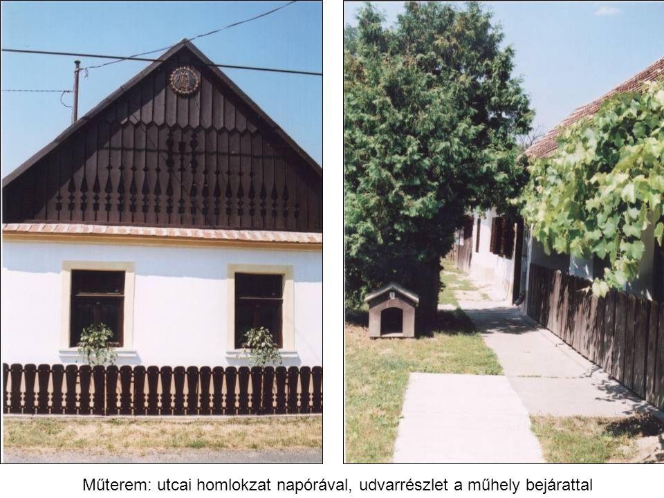 Műterem: utcai homlokzat napórával, udvarrészlet a műhely bejárattal