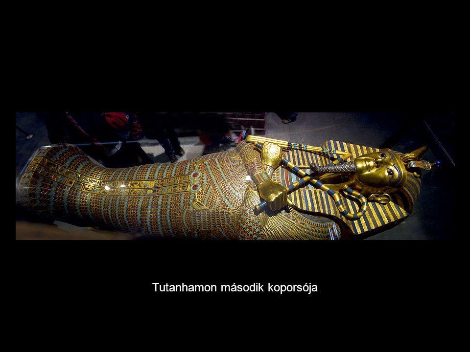 Tutanhamon második koporsója