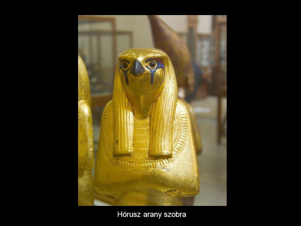 Hórusz arany szobra