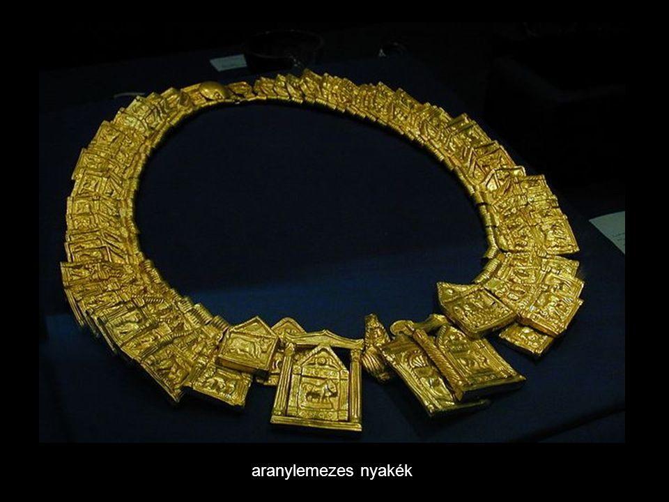 aranylemezes nyakék
