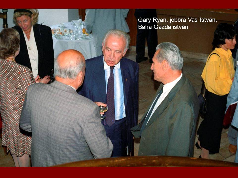 Gary Ryan, jobbra Vas István,