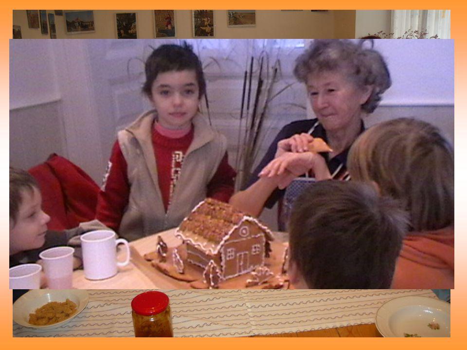 Műhelyfoglalkozások Nudli főzés Szalma fonás Cirokkalács készítés