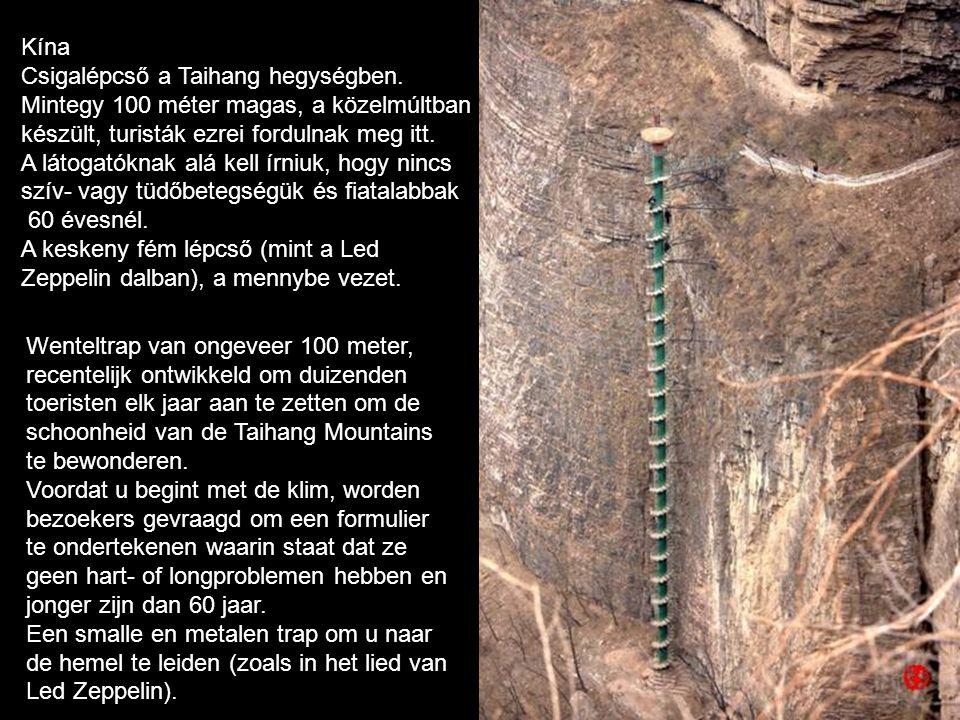 Kína Csigalépcső a Taihang hegységben. Mintegy 100 méter magas, a közelmúltban. készült, turisták ezrei fordulnak meg itt.