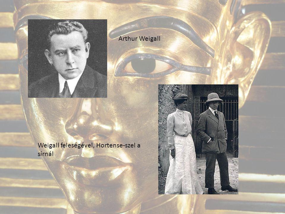 Arthur Weigall Weigall feleségével, Hortense-szel a sírnál