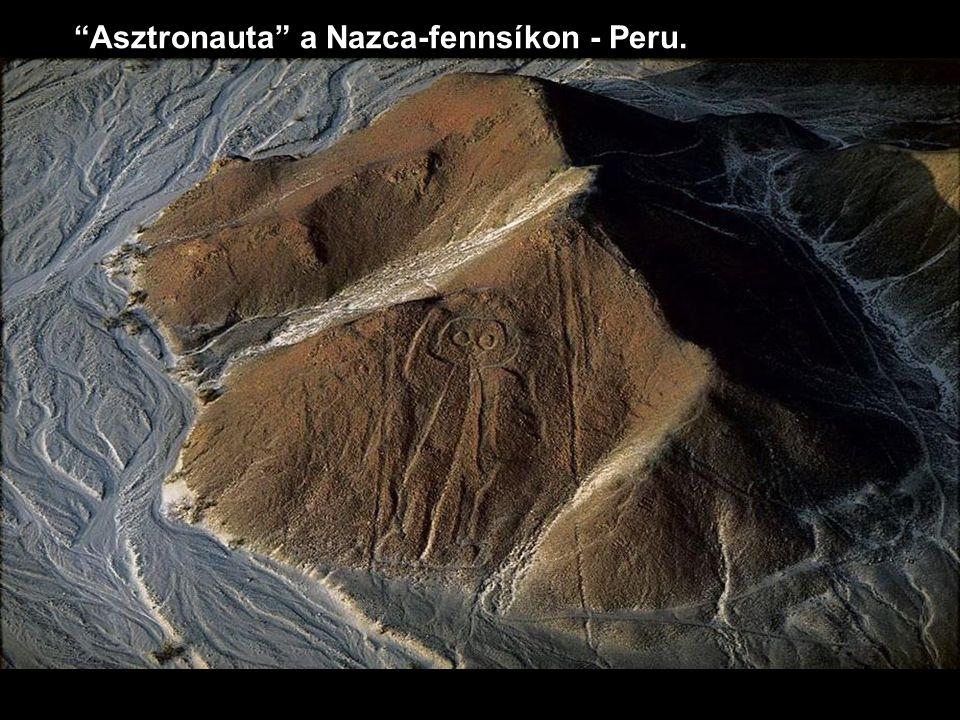 Asztronauta a Nazca-fennsíkon - Peru.