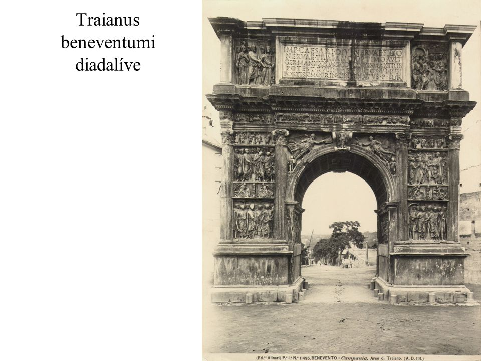 Traianus beneventumi diadalíve