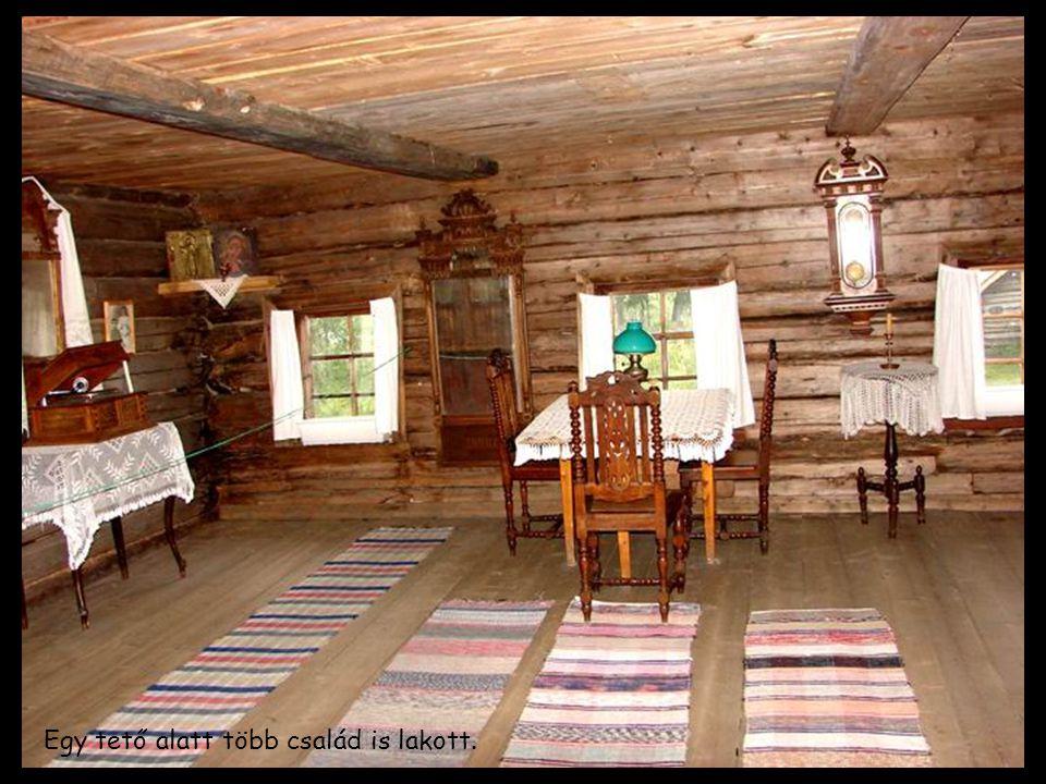 Egy tető alatt több család is lakott.