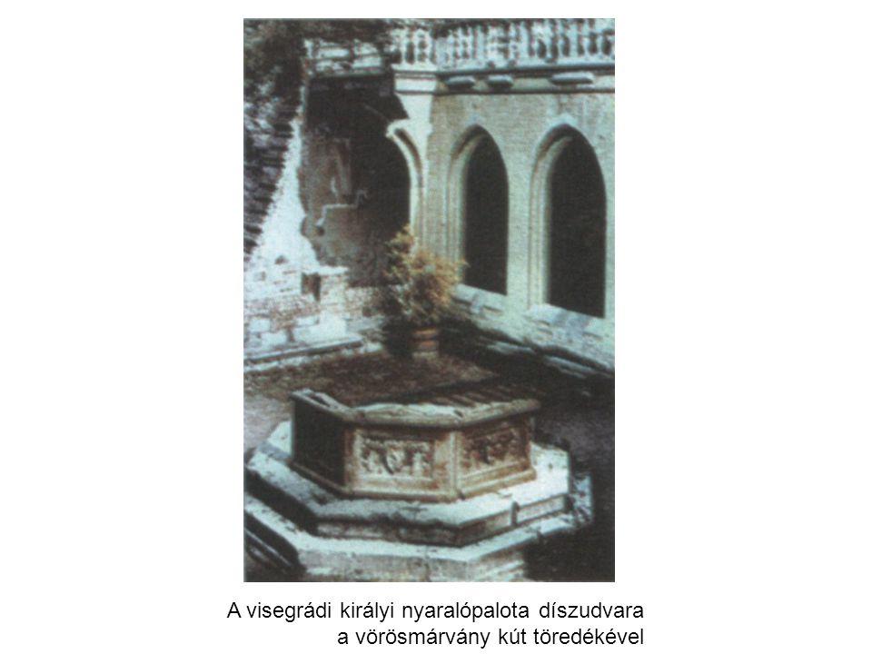 A visegrádi királyi nyaralópalota díszudvara a vörösmárvány kút töredékével